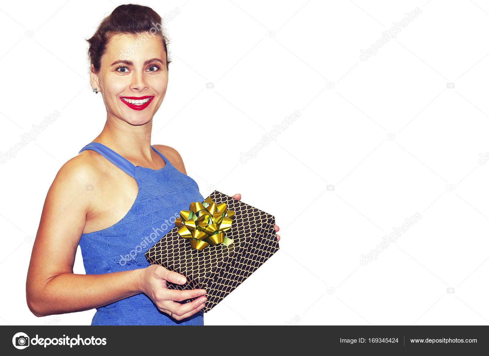 Schönheit Mode junge Frau mit Geschenk-Box in Händen isoliert auf ...