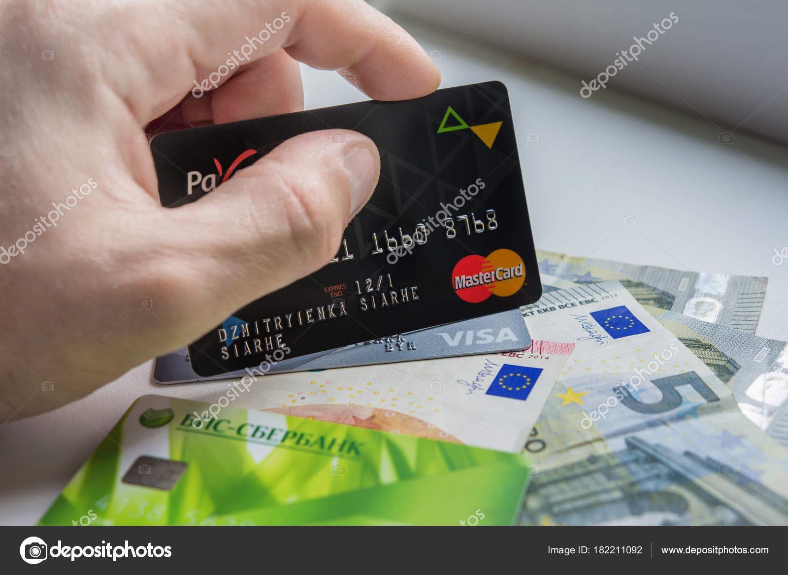Berlin Germany August 29 2017 Hand Holds Plastic Credit Card