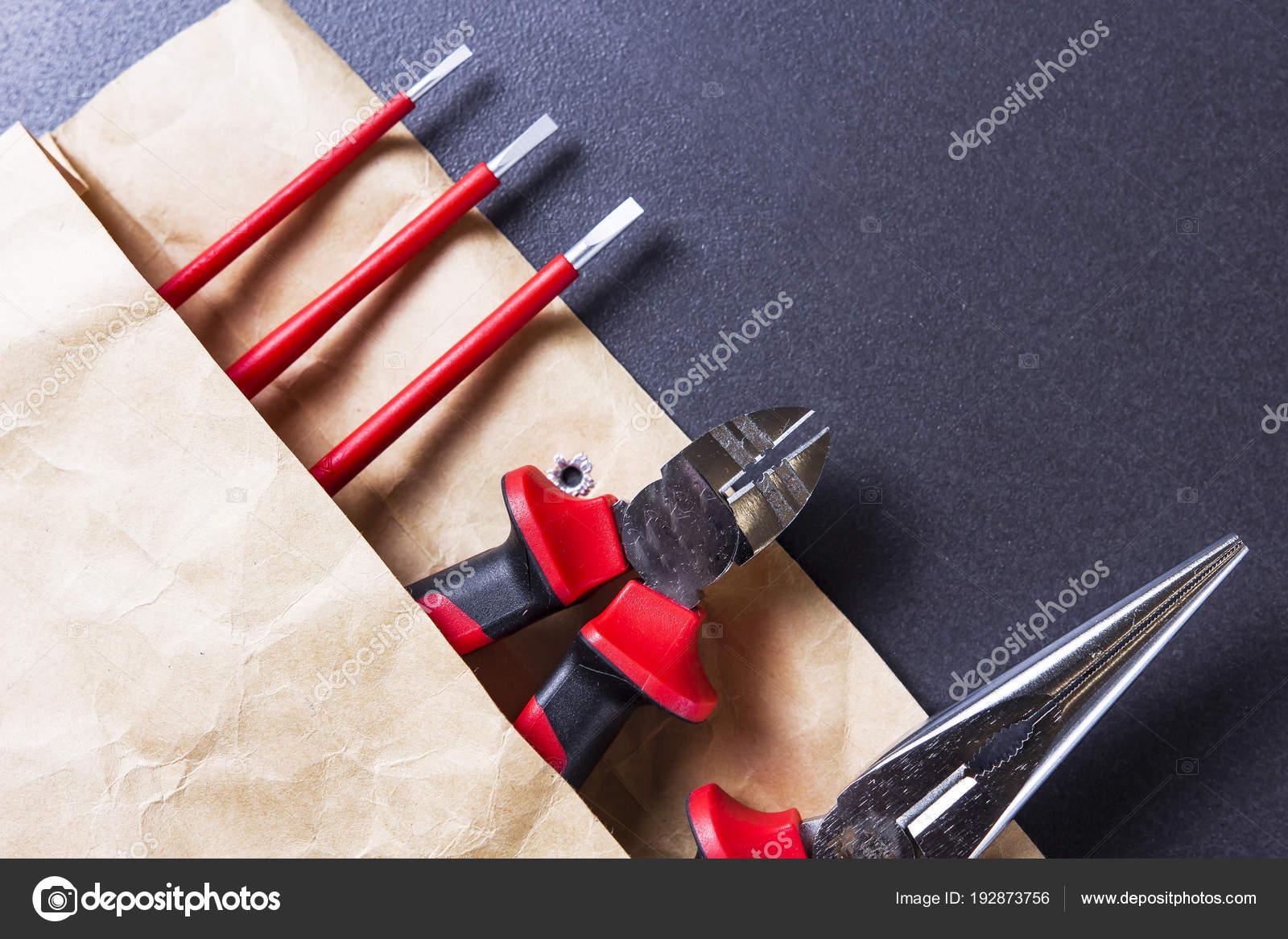 Banco Da Lavoro Per Elettricisti : Strumenti di ingegneria. strumenti per il lavoro dellelettricista