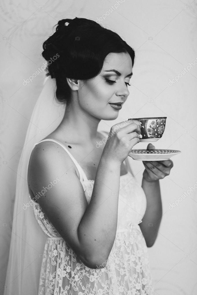 42f00d63cd1 Πορτρέτο του όμορφη νύφη. Το πρωί της νύφης. Πρωί του γάμου ...