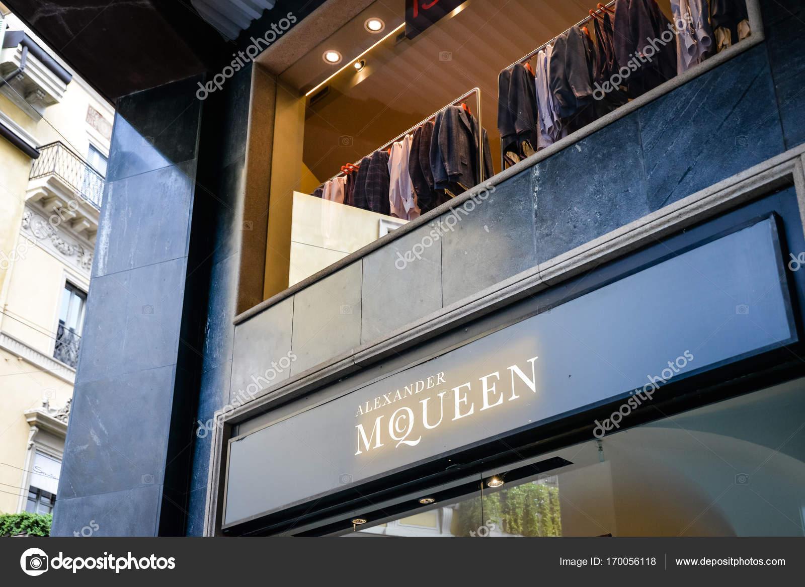 Milano, Italia - 24 settembre 2017: Alexander Mcqueen ...