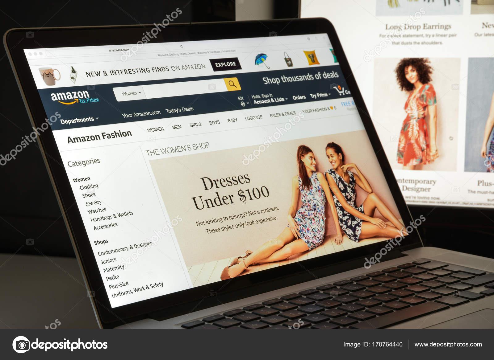 8e6c47dfa Milão, Itália - 10 de agosto de 2017: Página inicial do site Amazon. É uma  americana de comércio ...