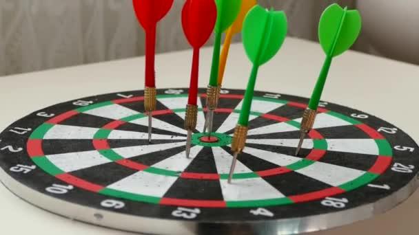 dart arrows and dartboard, colorful dart arrows,