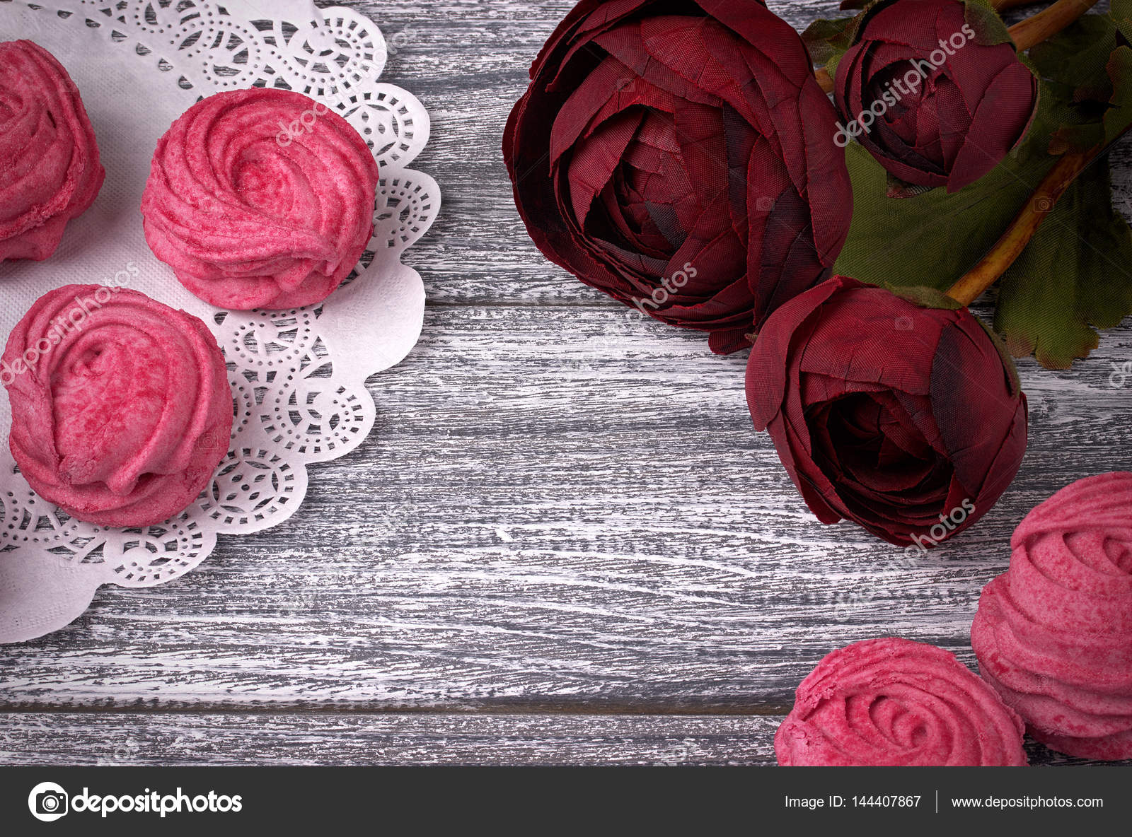 Red Buttercup Flowers Ranunculus White And Pink Zephyr Marshmallows