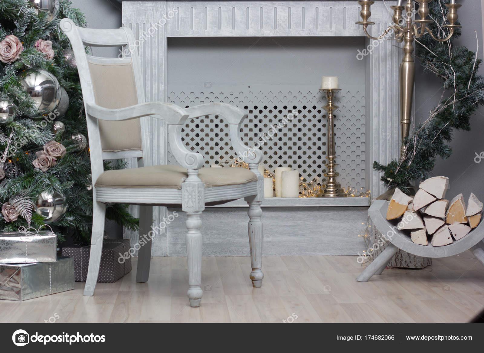 Interieur Du Salon Avec Cheminee Photographie Sharafmaksumov C 174682066