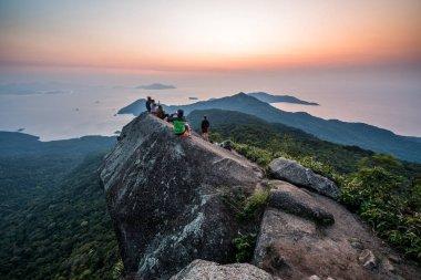 tourists in Serra do Papagaio State Park