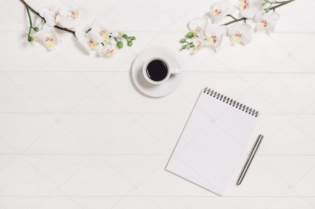 Womans Mesa, Escritorio O Espacio De Trabajo Visto Desde