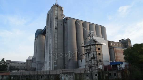 un grande complesso industriale
