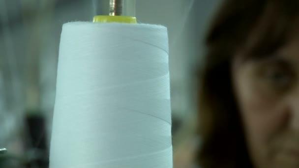 Nähen in der Textilfabrik