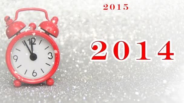 červená veškeré hodiny tikají 5 minut do půlnoci jako let pas s platností sněhu, šťastný nový rok 2018., 2017., 2016., 2015., 2014., 2013.