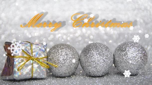 stříbrné a zlaté nový rok a vánoční dekorace s efektem sněhu, Veselé Vánoce