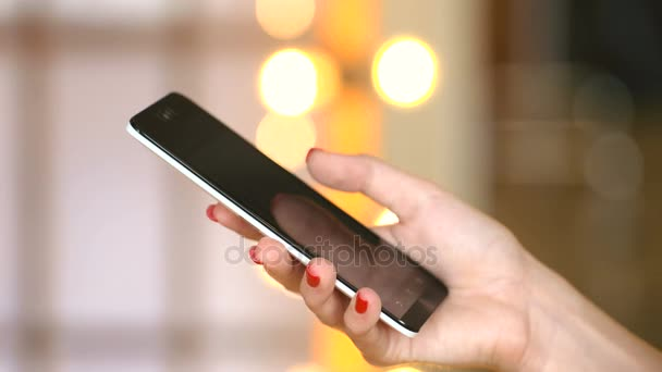 Young girl use cellphone for browsing social networks