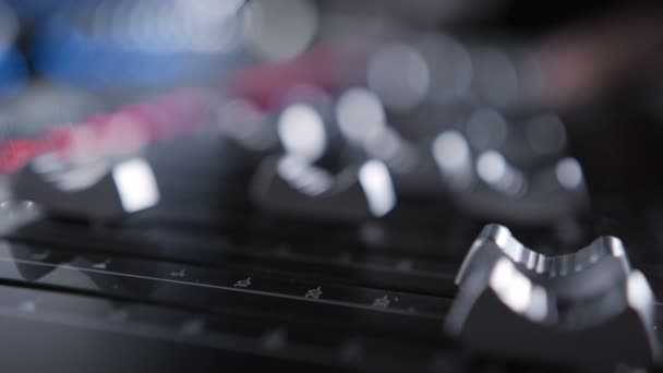 Sound panel audio keverő-és műsorszolgáltatási