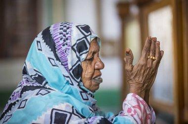 Sudan kadın dua