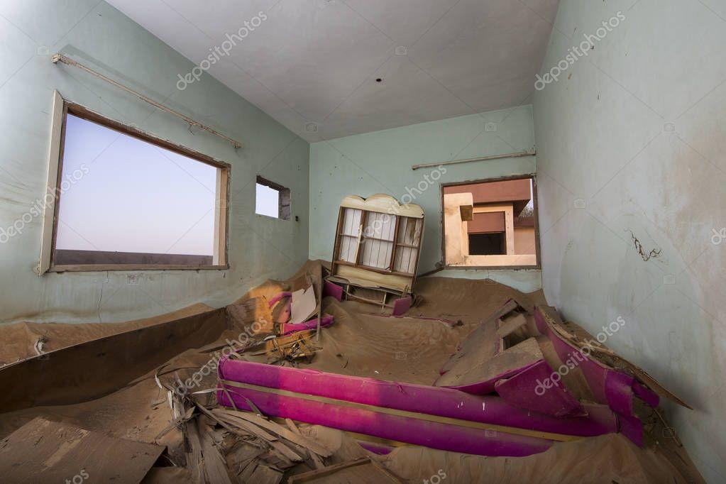 abandoned house in Liwa desert
