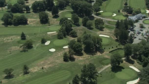 video z golfového hřiště