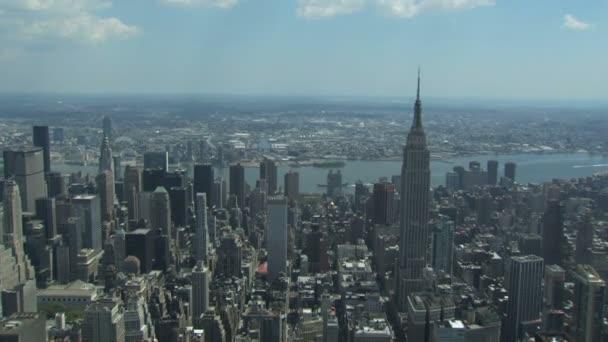 Mrakodrapy v New Yorku a řeky hudson
