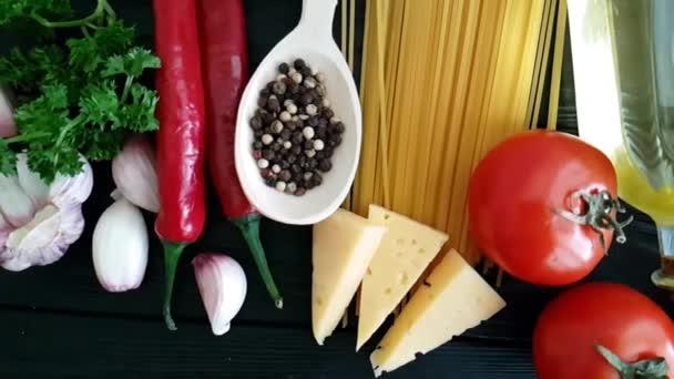 spagetti, sajt, paprika, fokhagyma lassú lövés