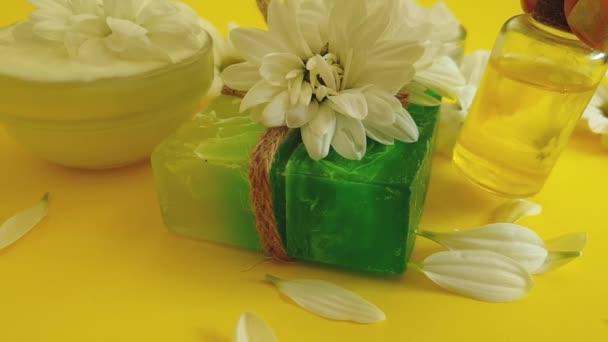 kozmetikai szappan virág krizantém színes háttér
