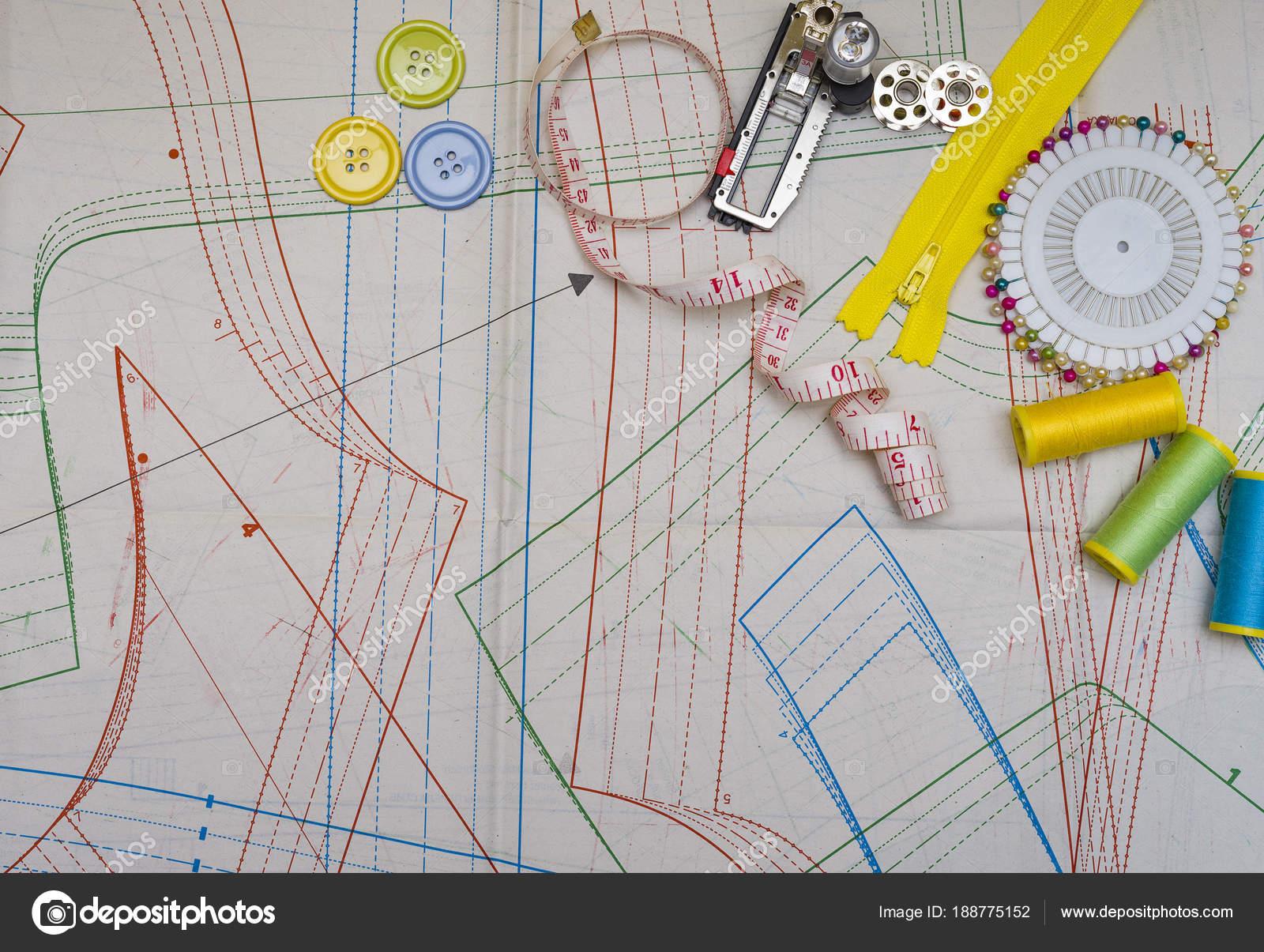 Muster schneiden und Nähen — Stockfoto © zilber42.gmail.com #188775152