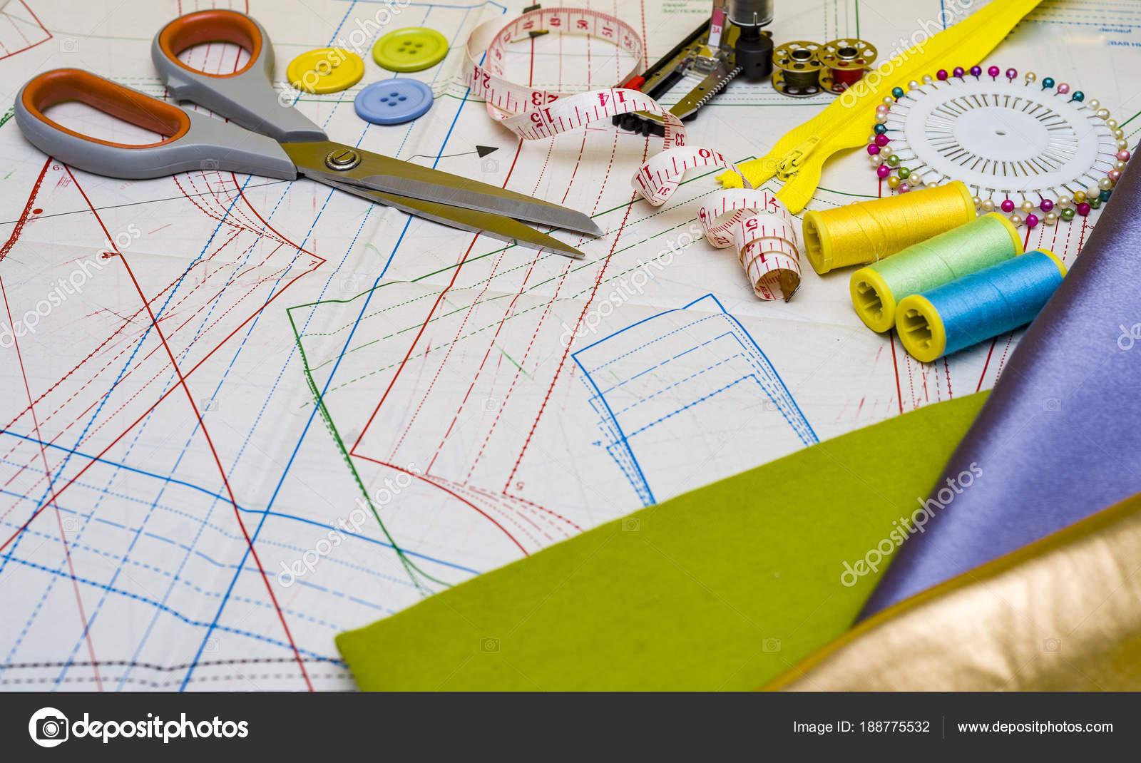 costura y patronaje — Foto de stock © zilber42.gmail.com #188775532