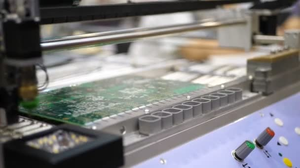 Elektronikus áramköri termelés. Automatizált Circut tábla termel nyomtatott digitális elektronikus kártya. Elektronika bérmunka. Elektronikus chipek gyártása. High-tech.-microchip