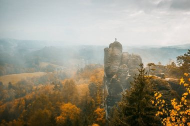 Autumn colors in the Elbe sandstone mountains
