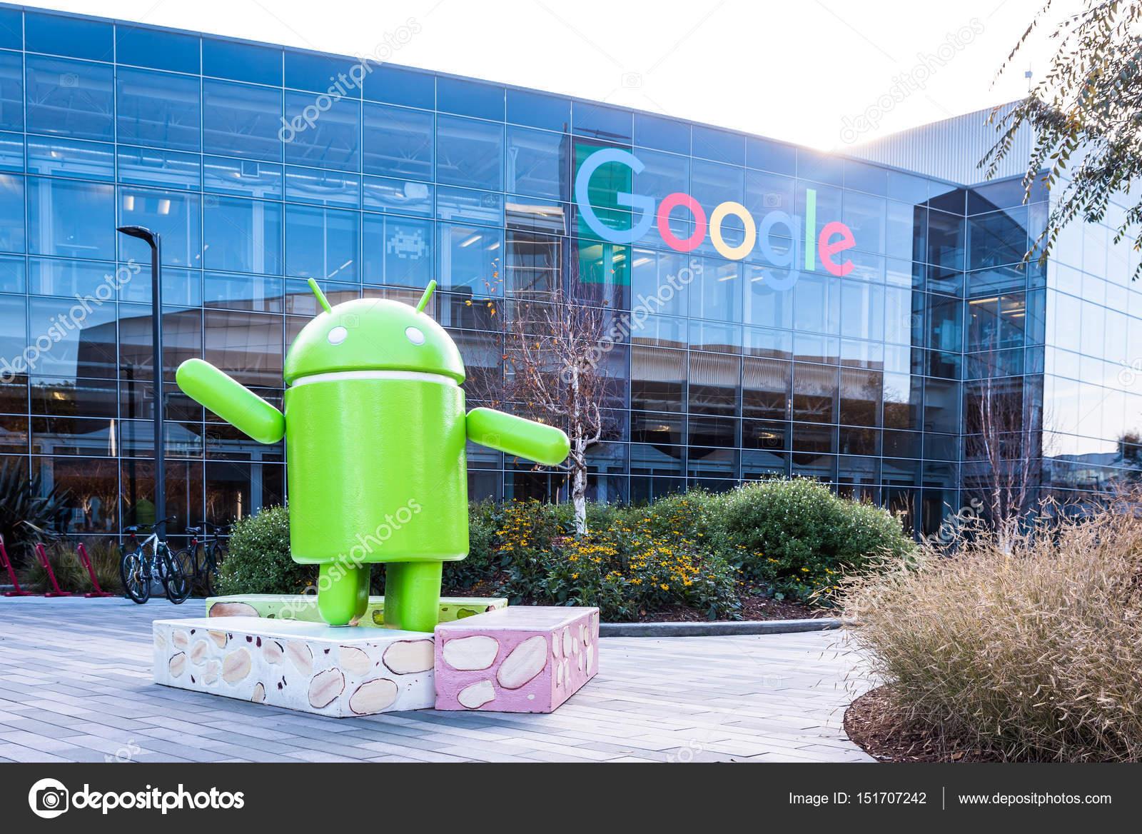 Google Hoofdkwartier Londen : Googleplex hoofdkantoor van google met android figuur