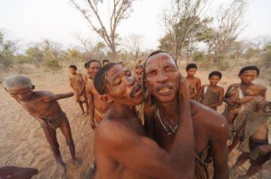 Ju /'Hoansi-San Bushmen Grashoek, Namibia,