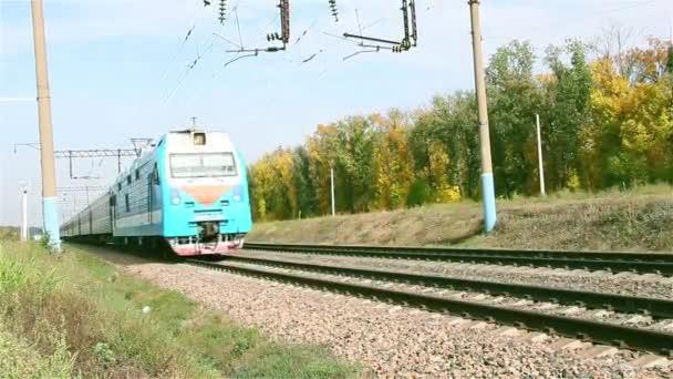 Cestování osobní vlaky