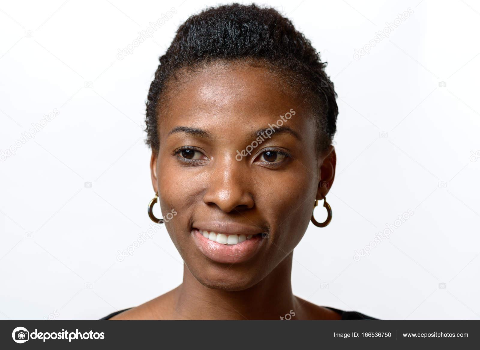 Recherche photo femme africaine avec anneaux dans le nez [PUNIQRANDLINE-(au-dating-names.txt) 23