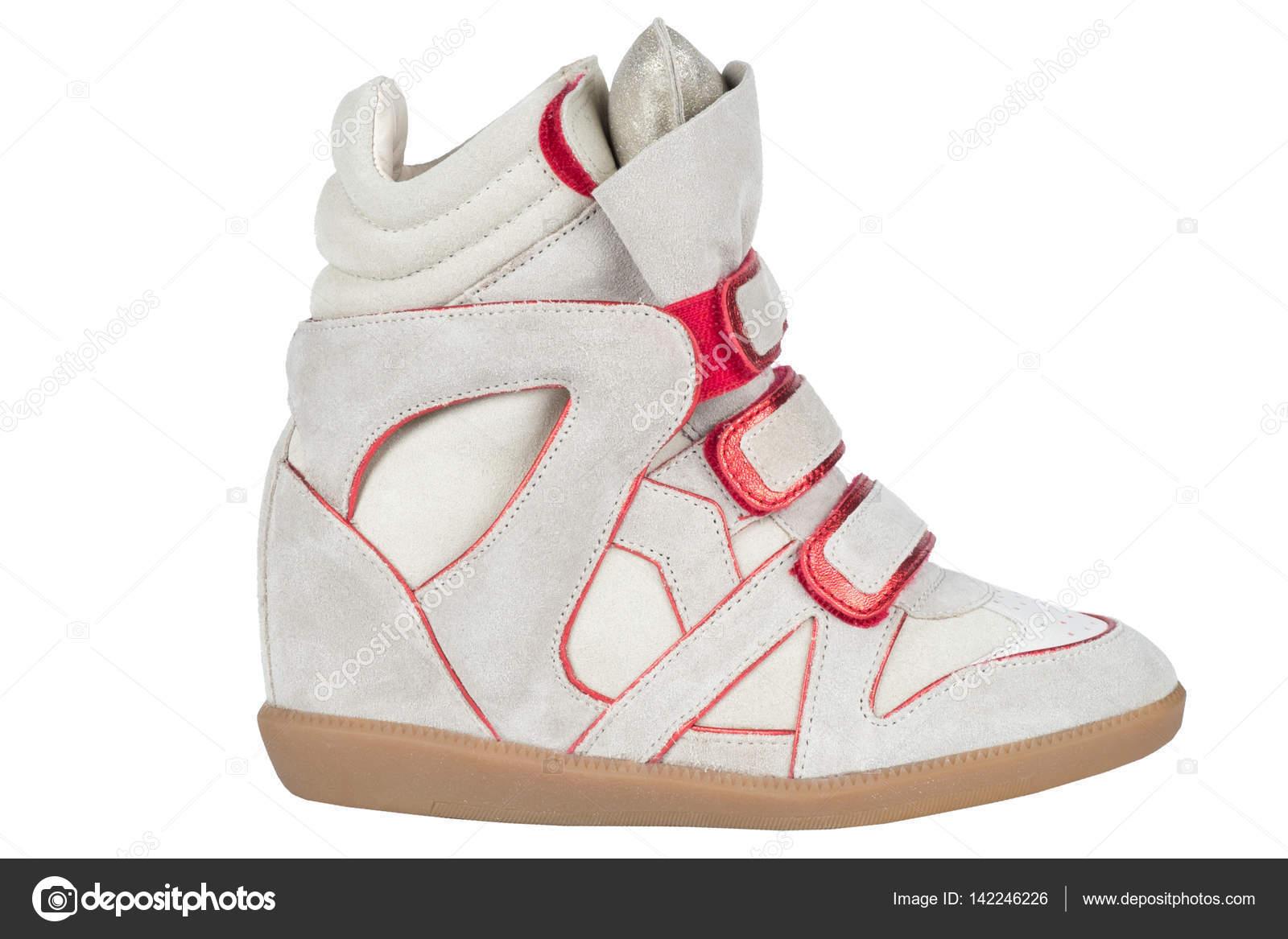 7950be22b0f Обувь. Женская обувь на белом фоне. обувь премиум. Итальянская обувь  фирменных– Стоковое изображение