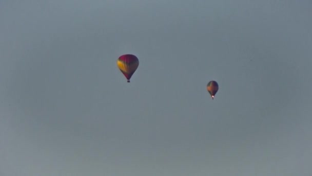 Balónky a kluzák ve vzduchu