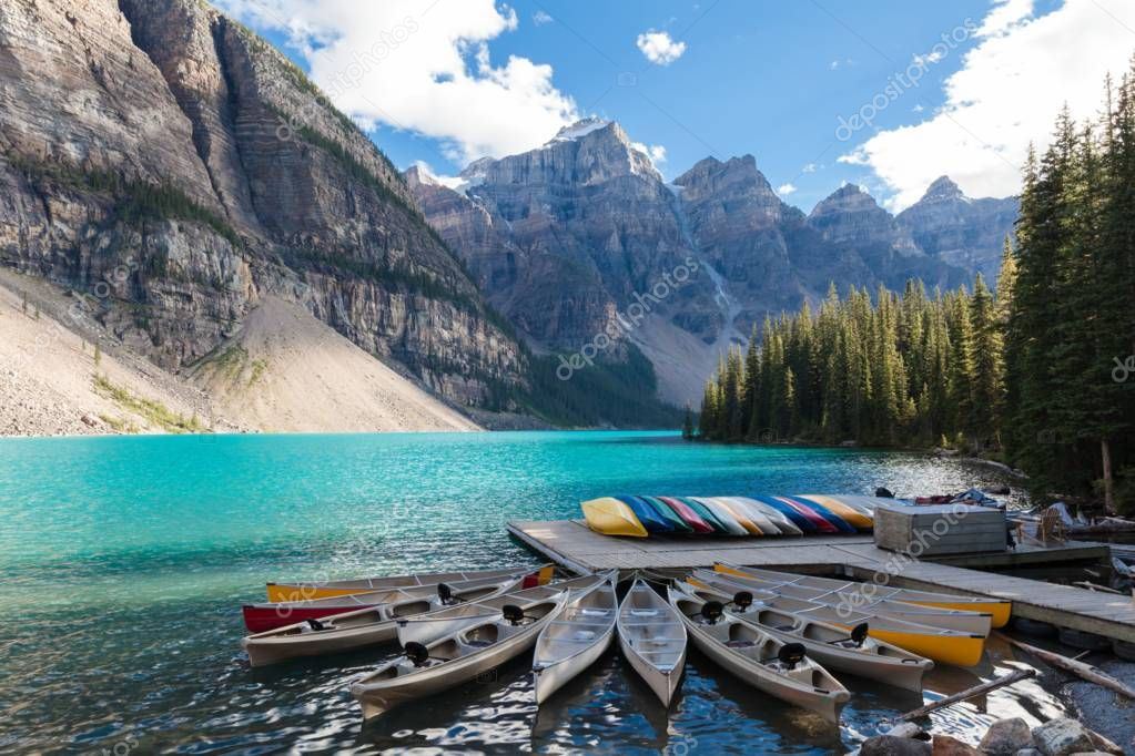 Фотообои Canoas at Moraine Lake Banff National Park Alberta Canada