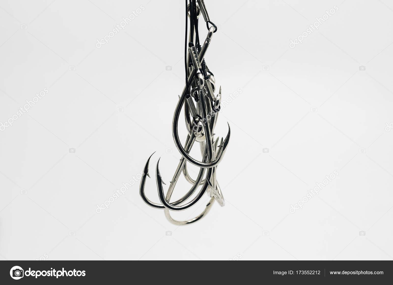 Angeln Haken Link bereit gemacht, am Stahlseil gebunden — Stockfoto ...