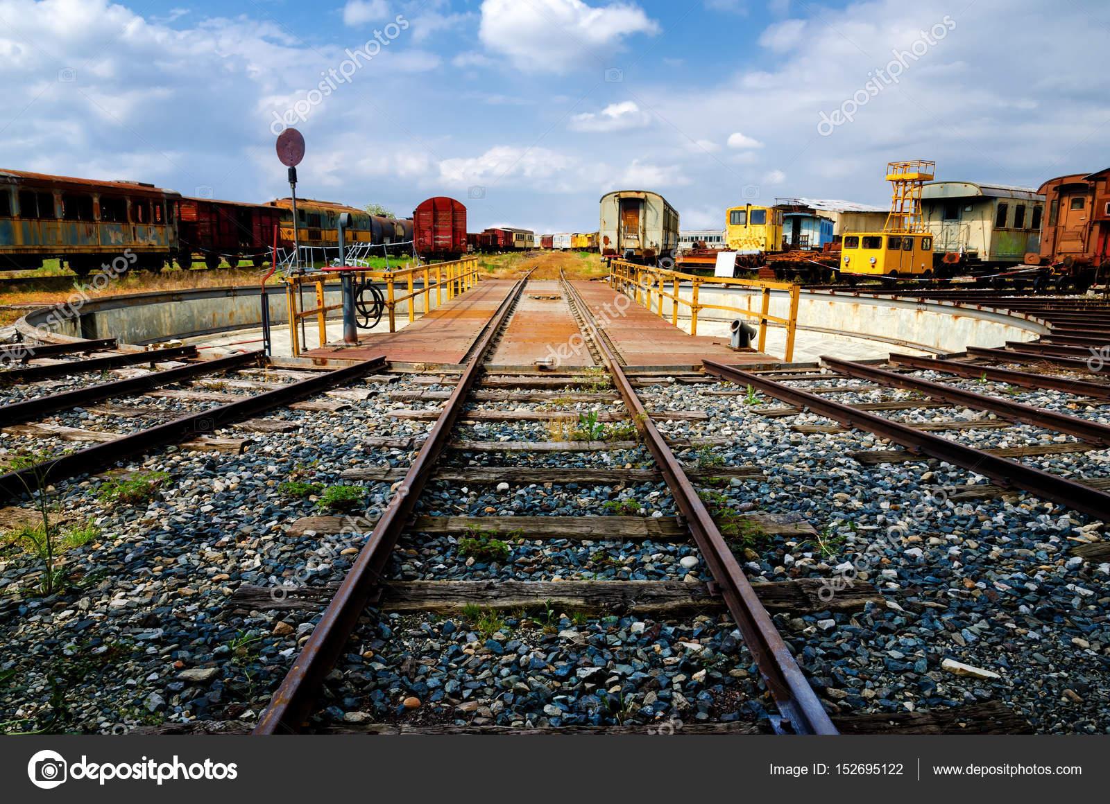 Photos: railroad turntable | Old railway turntable — Stock