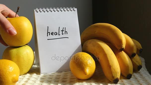 Aplikace Word zdraví a banány, citrony, jablka