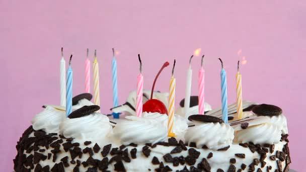 Valaki Elfújta a gyertyákat születésnapi torta