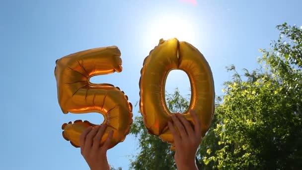 Boldog 50 születésnapot-a arany levegő léggömbök