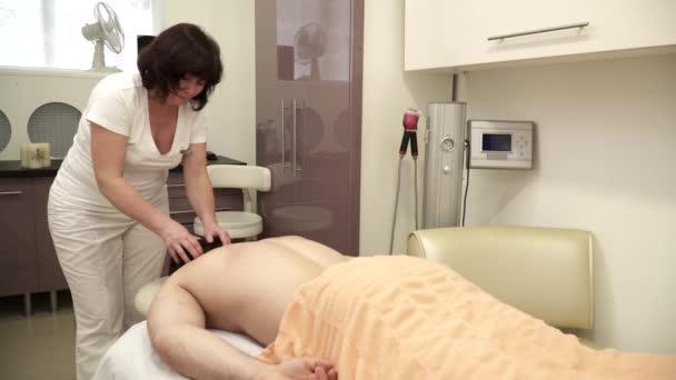 Cokoliv dělá krční masáž pro muže