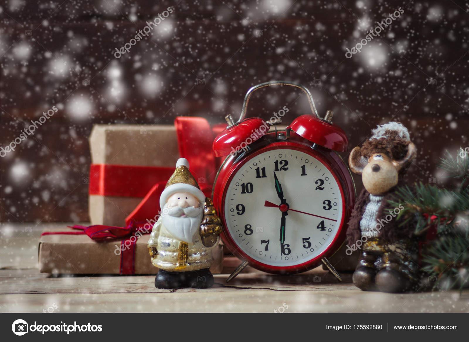 Schöne Geschenkideen Weihnachten.Schöne Weihnachten Konzept Wecker Geschenke Und Weihnachten St