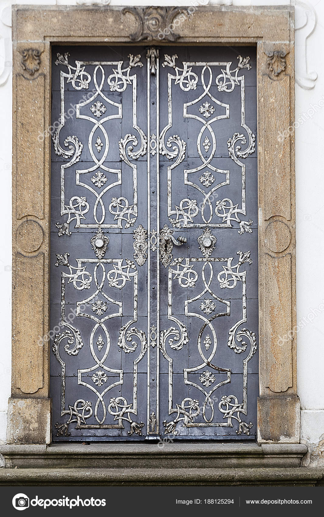 Antique iron doors with ornaments. — Photo by max_grpo - Antique Iron Doors With Ornaments. — Stock Photo © Max_grpo #188125294