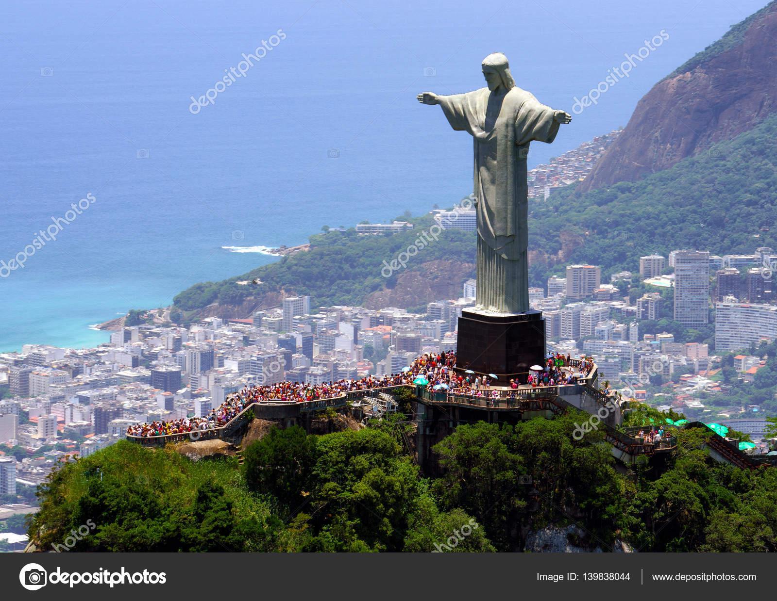 Der Christusstatue In Rio De Janeiro Redaktionelles Stockfoto