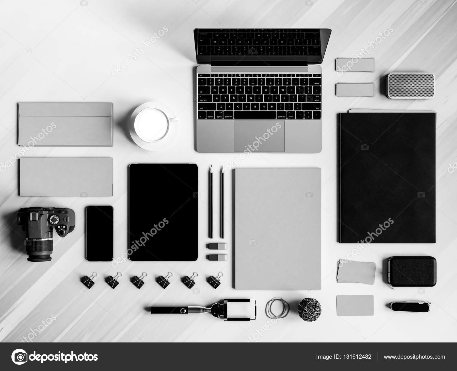 Bureau Noir Et Blanc black and white office corporate mockup design. 3d