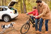 apa fia lovagolni kerékpár tanítás