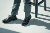 Mann in stilvollen Schuhen