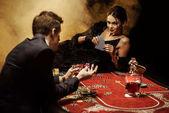 pár hrát poker