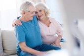 Fotografie glückliches älteres Paar