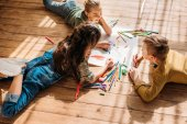 Fotografie cute kids drawing