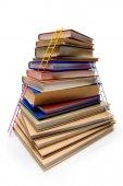 Stoh knih s žebříky